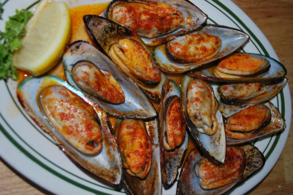 New Zealand Green Back Mussels on the half shell*